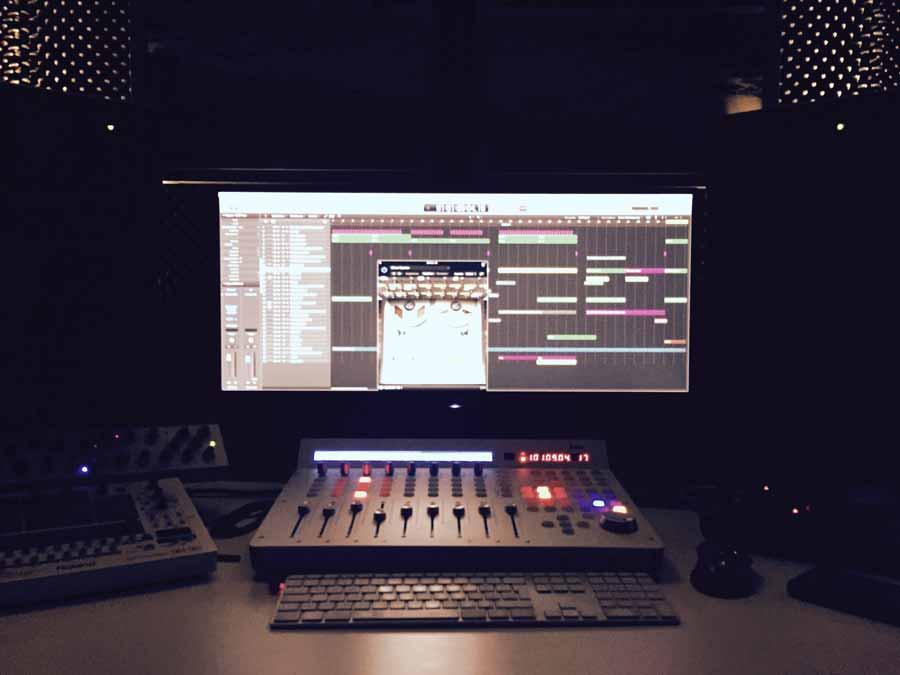 studiotime_emaxx